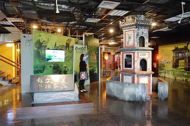 美濃客家文物館透過實物、多媒體等生動展示,讓民眾近距離感受客家生活文化。(攝影/Carter)