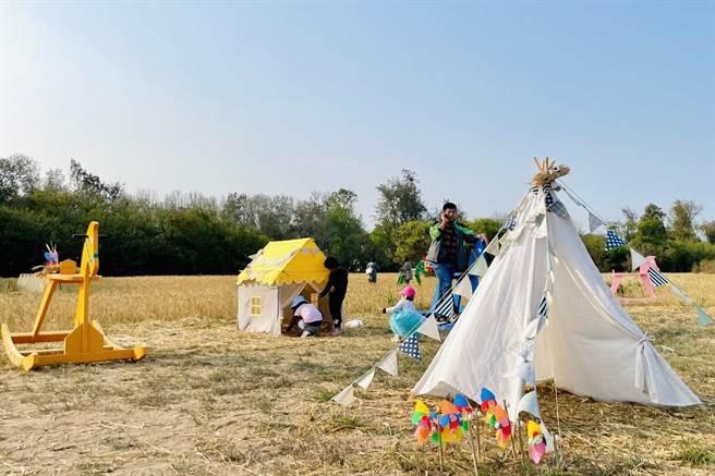 天幕地席的草原帳篷,洋溢大地美好風情。(金門縣府觀光處提供)