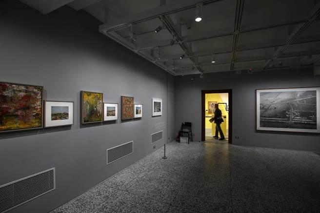 國家攝影文化中心台北館現已推出3檔開幕展覽,從攝影技術史、殖民歷史等角度,呈現20世紀中期以前的台灣攝影史。(鄧博仁攝)