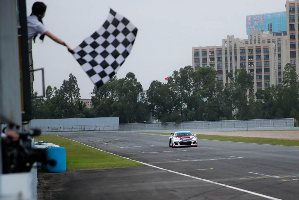 新晉車手曹琦駕駛奧迪R8 LMS GT4賽車首秀即登上領獎臺