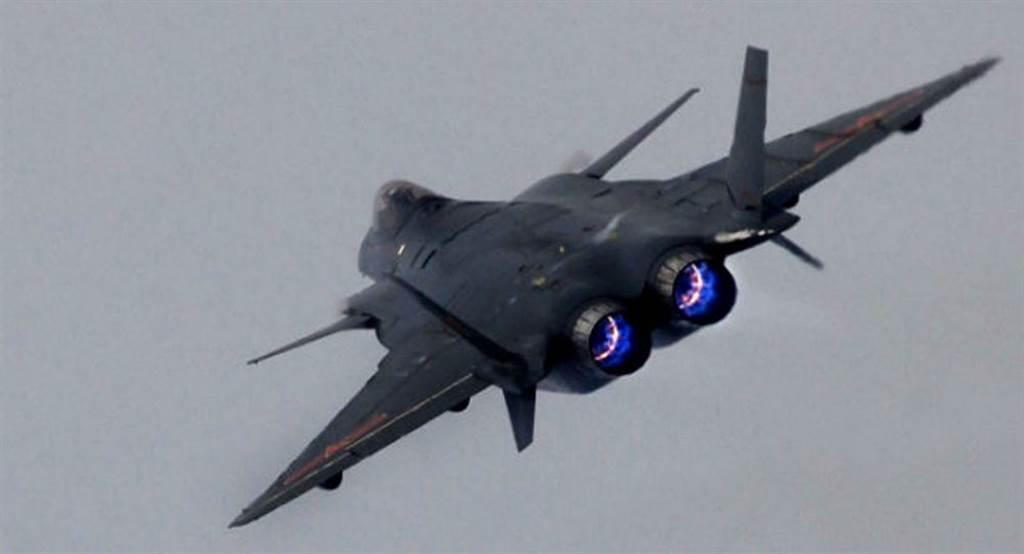 殲20目前傳統圓型噴嘴。(圖/俄國衛星網)