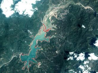 曾文水庫局部乾涸見底 蓄水量減少4.2億立方公尺