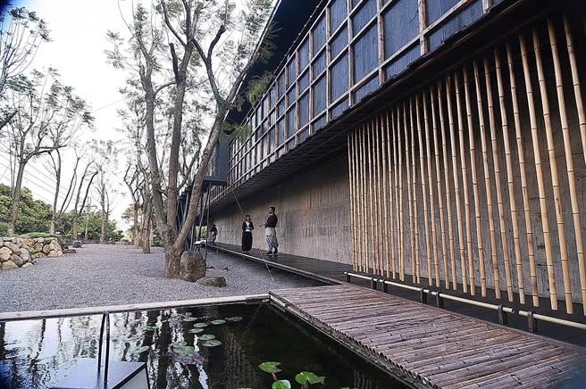 〈飛花落院〉的園區占地1025坪,主建築則約300坪,非常大器。(圖/姚舜)