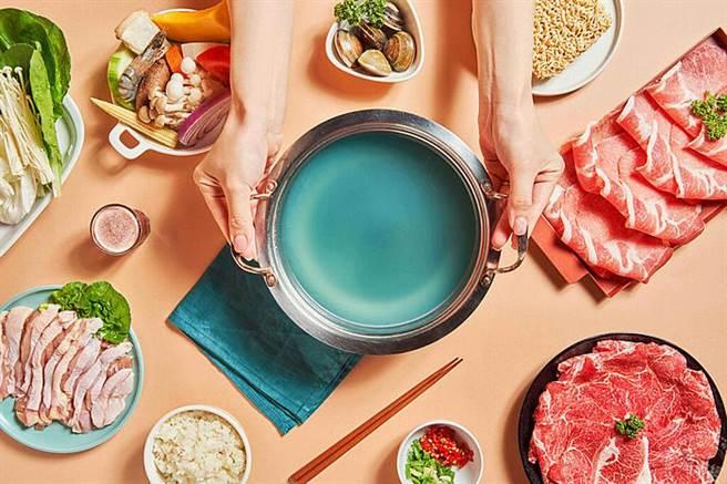 Tiffany幸福藍鍋物湯頭。圖:業者提供
