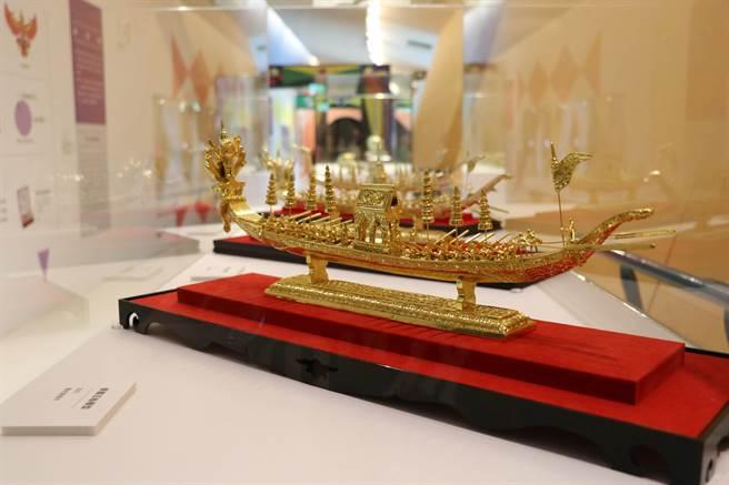 泰國王船模型作工精細,揭示暹羅皇室文化的印度元素。(十三行博物館提供)