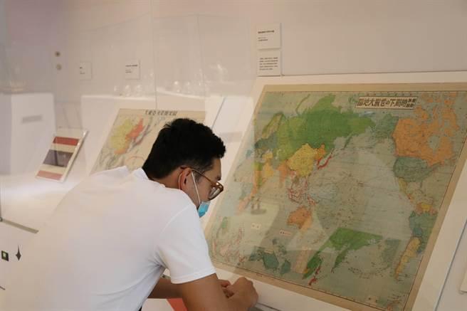 不同時期的歷史地圖,可觀察出泰國近三百年來的國際關係。(十三行博物館提供)