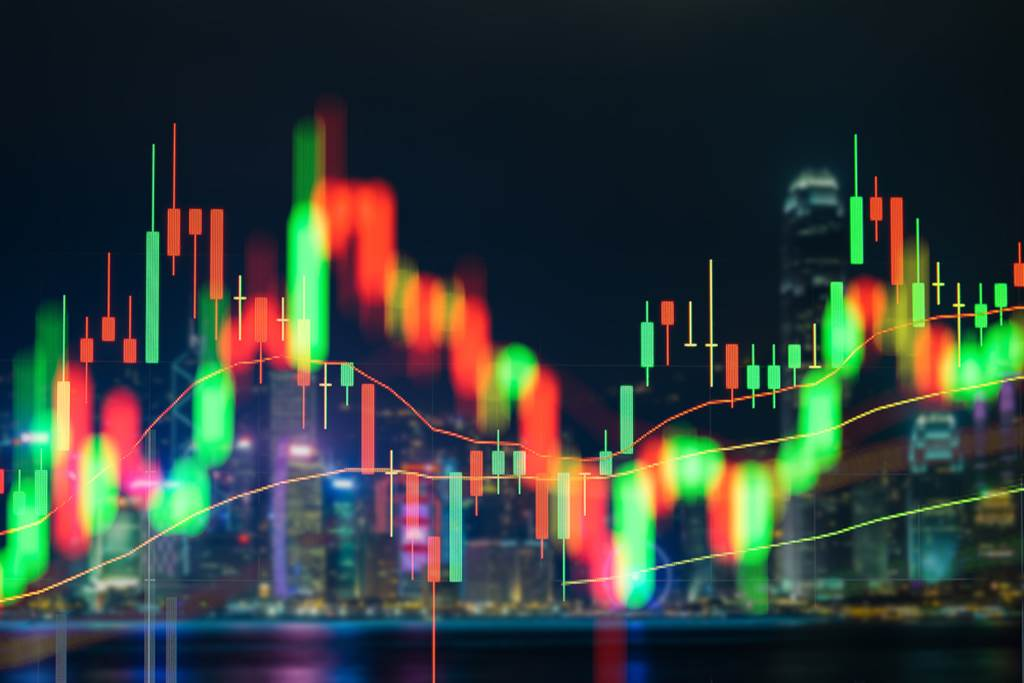 官股券商罕見地在大盤高檔之際買超逾12億,前十大買超股以台積電為首。(圖/達志影像/shutterstock)