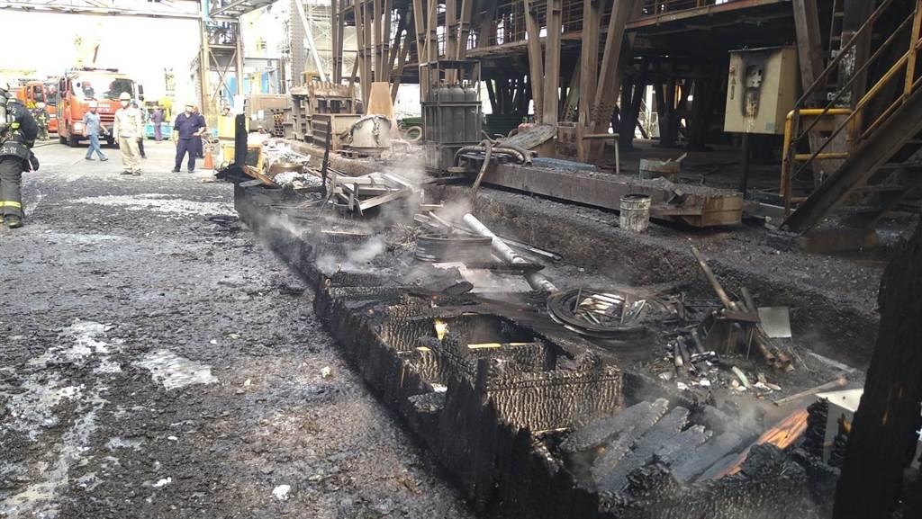 豐興鋼鐵台中后里廠區上午發生工安意外,1輛爐渣車疑作業疏失,突然爆炸。(台中市消防局提供)