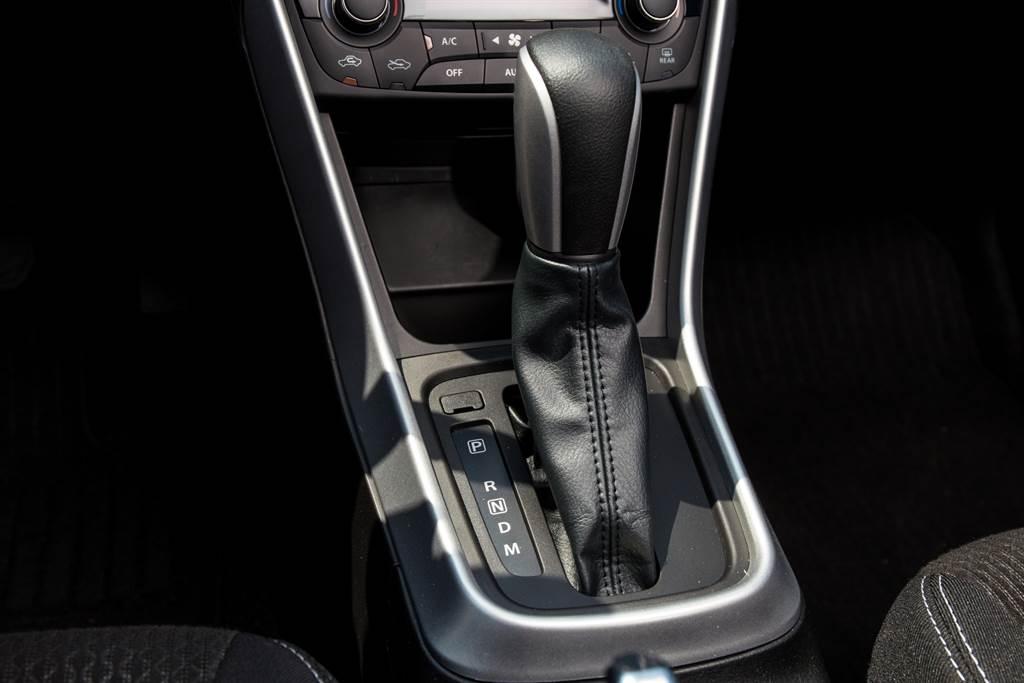 搭配來自Aisin提供的六速手自排變速箱,已在Suzuki車系中使用多年,換檔平順度、動力銜接皆屬上乘表現。