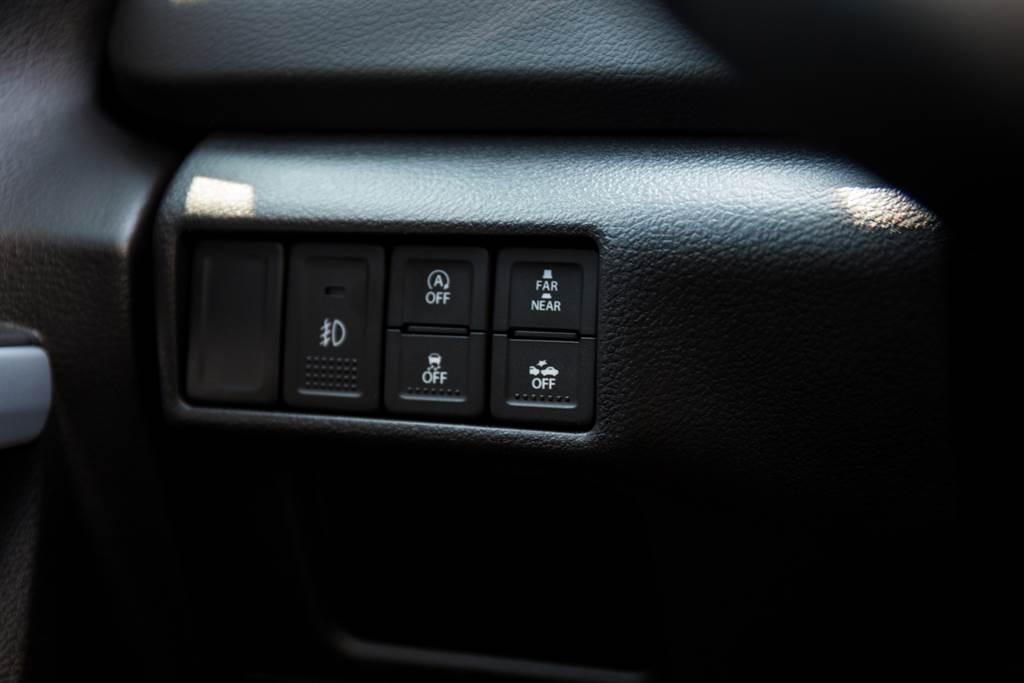 RBS煞車輔助系統可調整警示作動的距離,採用毫米波雷達偵測,與品牌其他採用攝影機與雷射感測器車款的DCBS系統有所不同。