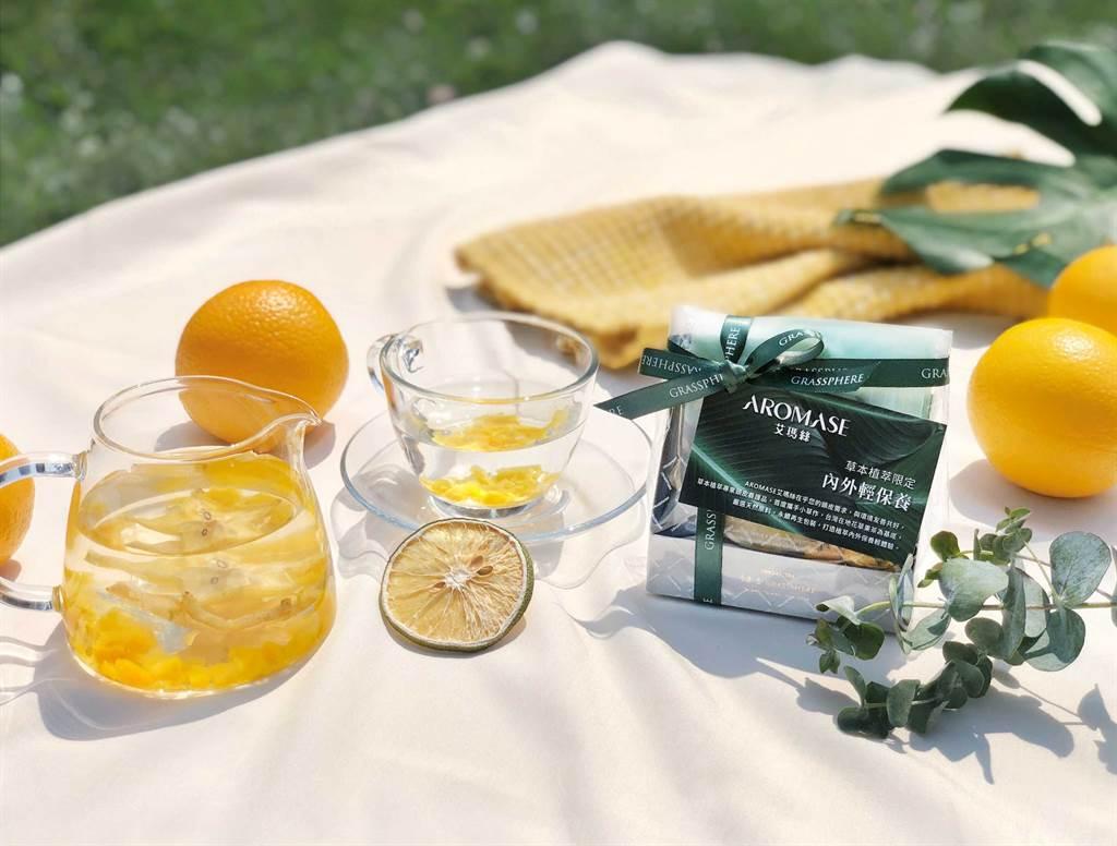 小草作3入茶包組包含芒果綜合果乾水、洛神綜合果乾水、紅心芭茉金萱茶等3種花果茶。(圖/品牌提供)