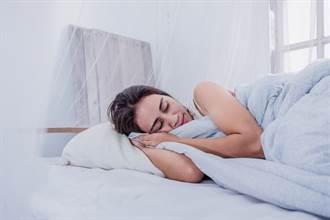 被蚊子吵到睡不著 女求最有效防蚊法 網狂推一物:相見恨晚