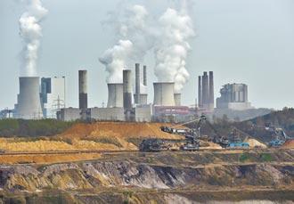 布林肯:美再生能源创新 落后中国