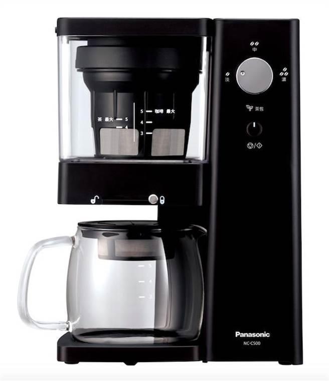 Panasonic冷萃咖啡機NC-C500,8月17日前買就送手動研磨器組。(Panasonic提供)