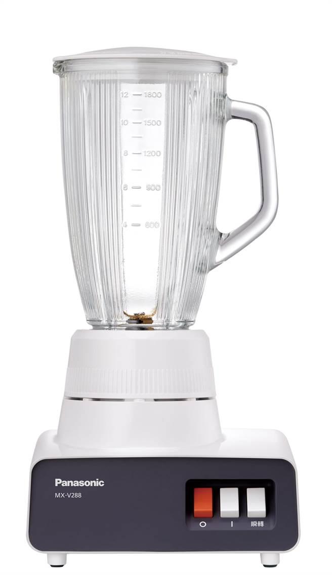 Panasonic大容量果汁機MX-V288,8月17日前買就送附潛水布套的廣口真空保溫瓶。(Panasonic提供)
