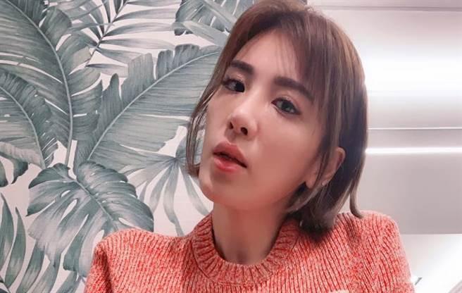 小禎失婚後桃花朵朵開,但考量女兒還沒成年,想把時間放在家庭和事業。(圖/FB@小禎)