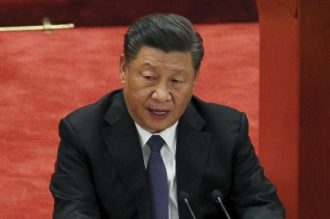 在氣候高峰會召開前的最後一刻,中國外交部發言人華春瑩終於宣布︰應美國總統拜登邀請,中國國家主席習近平將於4月22日在北京以視頻方式出席領導人氣候高峰會,並發表重要講話。(圖/美聯社)