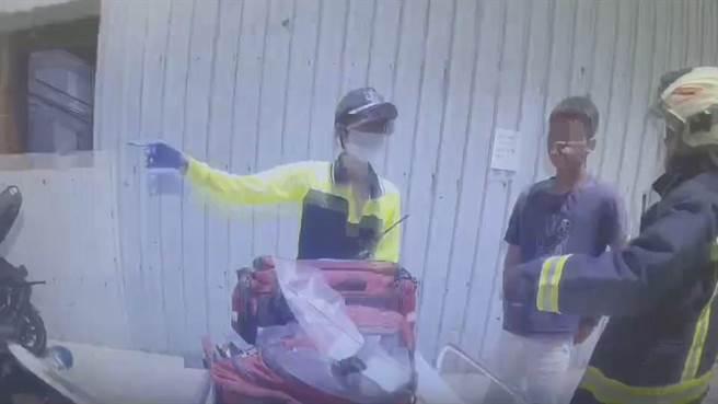 基隆市仁愛區劉銘傳路中午驚傳一名連姓男子頭部遭鐵鎚攻擊。(翻攝照片/陳彩玲基隆傳真)