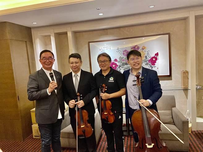 「台灣梧桐春分音樂會」以行動發揮「多主動、多熱愛、多關懷」梧桐的創團精神。(盧金足攝)