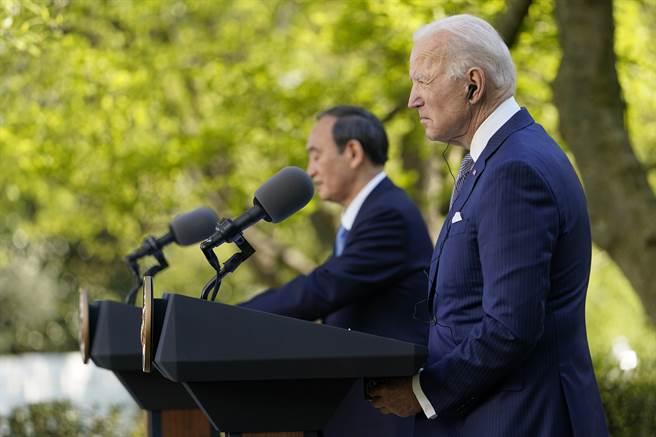 美日首腦聯合聲明提及臺灣問題激怒北京後,日本首相菅義偉向國會議員表示,和平解決台灣問題是一貫立場,日本不會軍事介入台海衝突。(圖/美聯社)