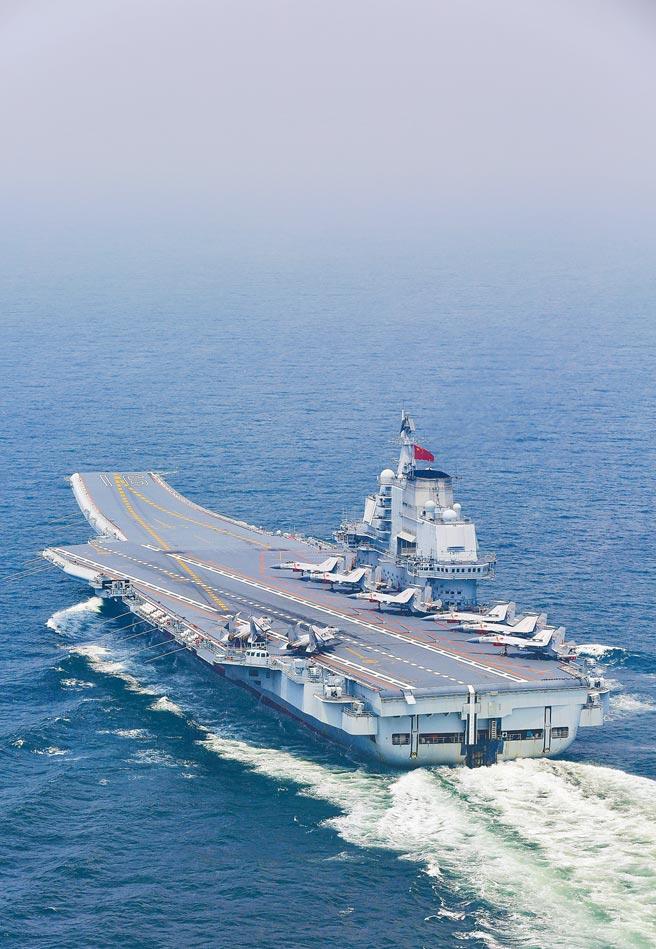 遼寧艦是大陸首艘航母,由北船負責改造前蘇聯航母而成。(新華社)