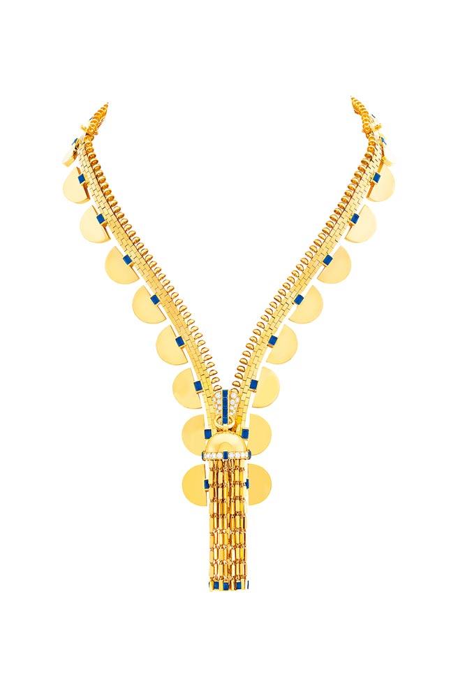 梵克雅寶Solerose花朵胸針,粉紅色及淡紫色藍寶石、鑽石,1240萬元。(Van Cleef & Arpels提供)