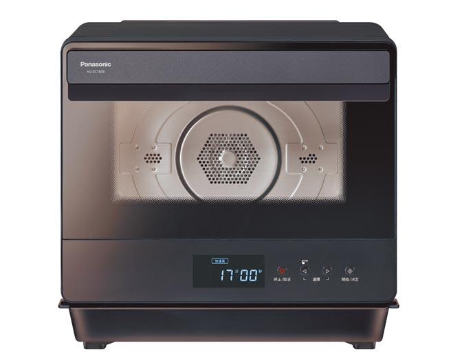 Panasonic蒸氣烘烤爐NU-SC180B,5月31日前加碼送500元7-11商品卡、8月17日前買就送G&W日式10件餐具組。(Panasonic提供)