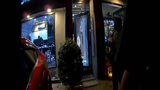 疑似消費糾紛 精品店直播到一半突被砸店
