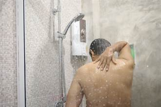 他洗澡發現下身突起物變大 嚇壞就醫揭穿真相
