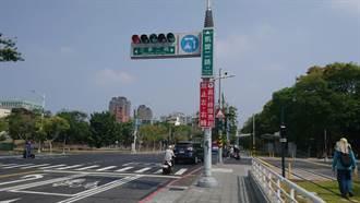 太多高雄人看不懂 輕軌二階沿線紅綠燈全改箭號