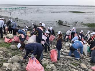 世界地球日台塑六輕淨灘 營造野鳥新樂園
