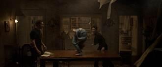 《厲陰宅3》預告曝光 惡魔附身殺人事件連驅魔夫婦都害怕