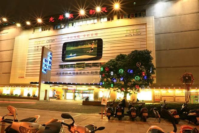 光華商場是全台最知名的電腦商城。(圖/光華商場官網)