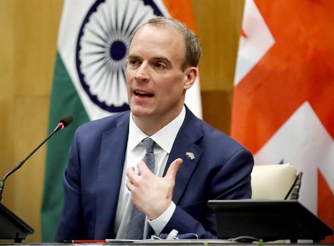 英外相拉布宣布大幅削減對華援助資金,在國會遭到批評,也被陸媒與網民嘲諷。(圖/路透)
