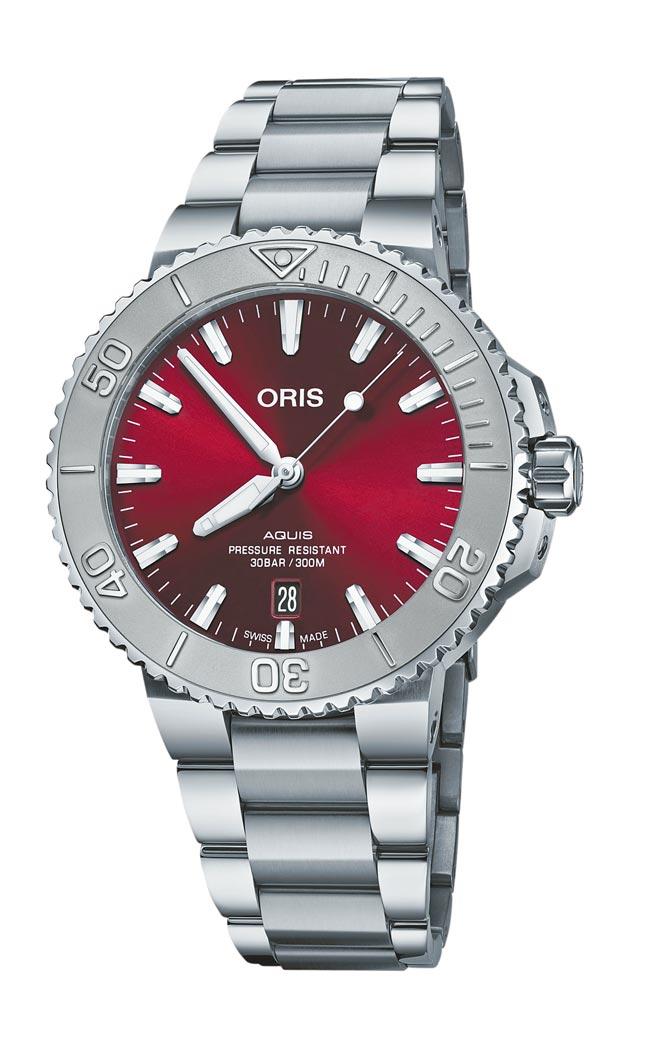 ORIS經典Aquis日期表換上紫紅色表盤,6萬1000元。(ORIS提供)