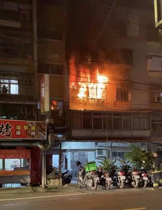 中和公寓火警一家四口倉皇逃生 周圍6住戶嗆傷送醫