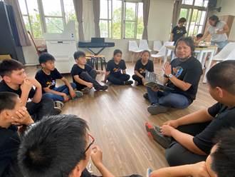 世界閱讀日 青農號召企業用繪本陪伴孩子