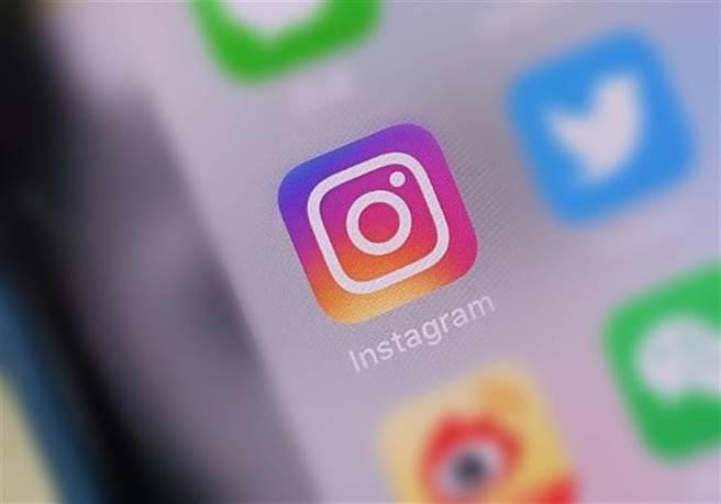 影音社群網站Instagram推出新功能,可過濾平台上令人反感的字眼、詞彙與表情符號,以防用戶看到可能屬於辱罵性質的留言。(黃慧雯攝)