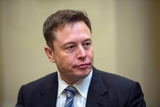 特斯拉創辦人馬斯克宣布,願意提供1億美元給研發出碳技術的發明人。(圖/shutterstock)
