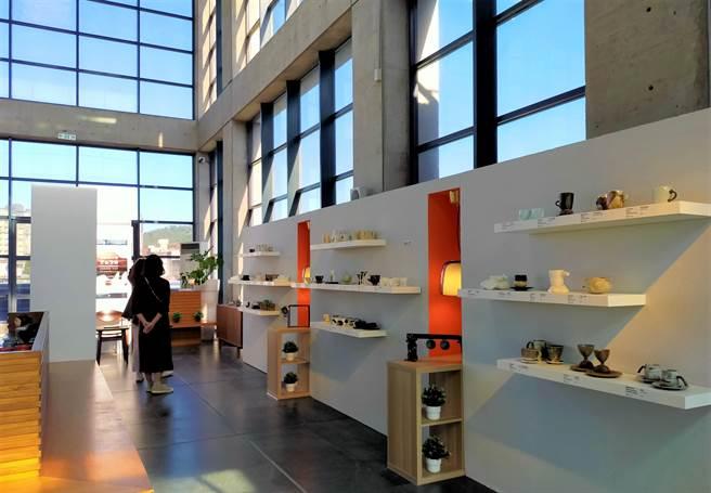 新北市立鶯歌陶瓷博物館為鼓勵陶瓷藝術,舉辦「2021國際咖啡杯大賽」,邀請國內外好手參賽,首獎可獲5萬元獎金。(陶博館提供)
