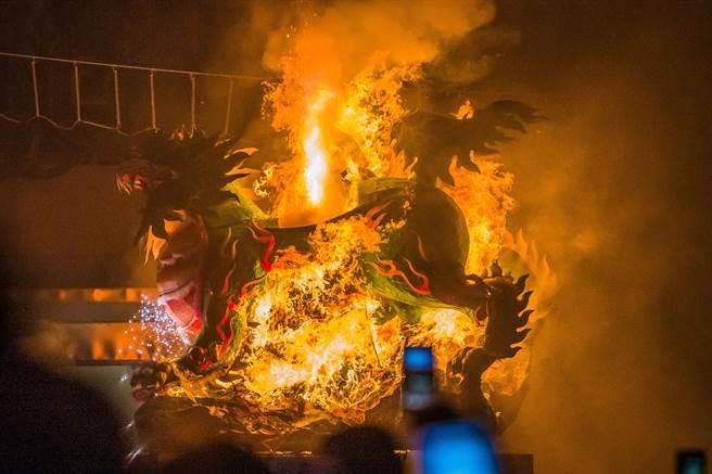 台中市北區元保宮,廟方每年舉行傳統「燒火獅」儀式,象徵去除瘟疫,祈求平安;去年因疫情停辦,今年將盛大舉行。(讀者提供/張妍溱台中傳真)