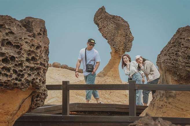 野柳地質公園的女王頭是新北市極具代表性的地景。(新北市綠美化環境景觀處提供)