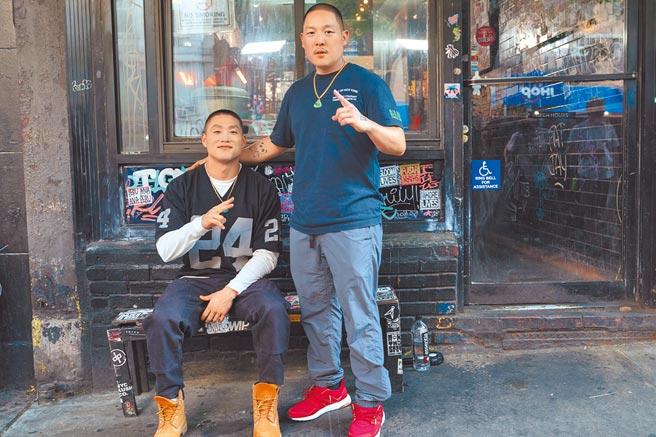 黃頤銘(右)找來曾是他助理的泰勒高橋擔綱男主角「布吉」。(UIP提供)