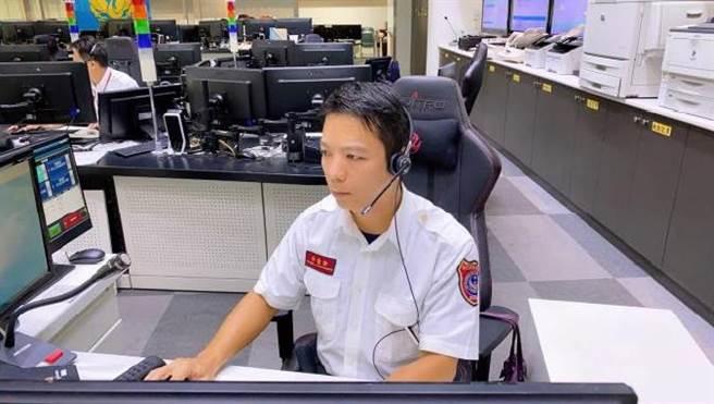 內政部統計,去年亂撥119專線電話高達107萬與救護無關,更有人3天打333通被開罰。圖119勤務電話受理示意。(內政部提供)