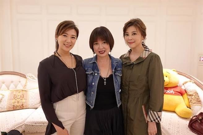 連靜雯(左起)、苗可麗、方馨隔10年再同台。(楠軒工作室提供)