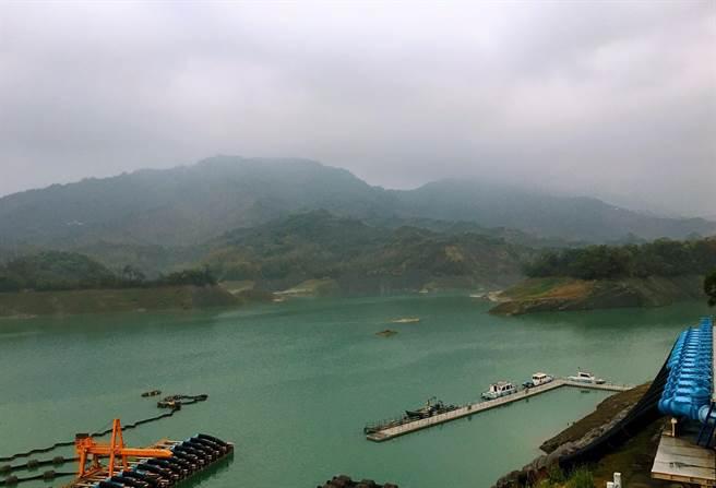 台南南化水庫山區下午也下雨了,截至晚上6點累計有14毫米。(讀者提供/劉秀芬台南傳真)