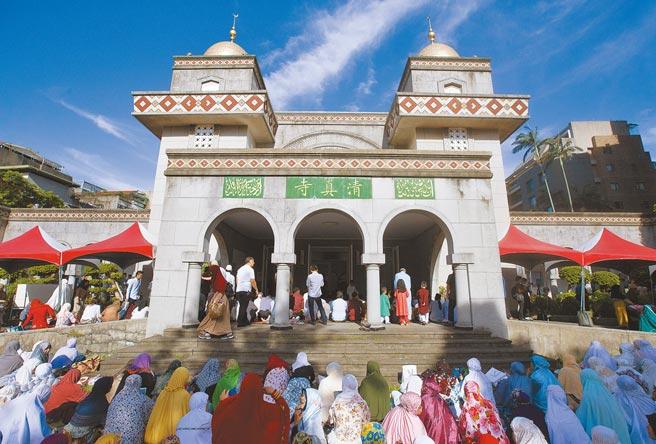 台灣再爆本土確診案例,1名印尼籍機師在澳洲確診後,其兒子與另名機師也確診,3人都曾參加清真寺聚會且曾同車,疫情指揮中心急追400人。(本報資料照片)