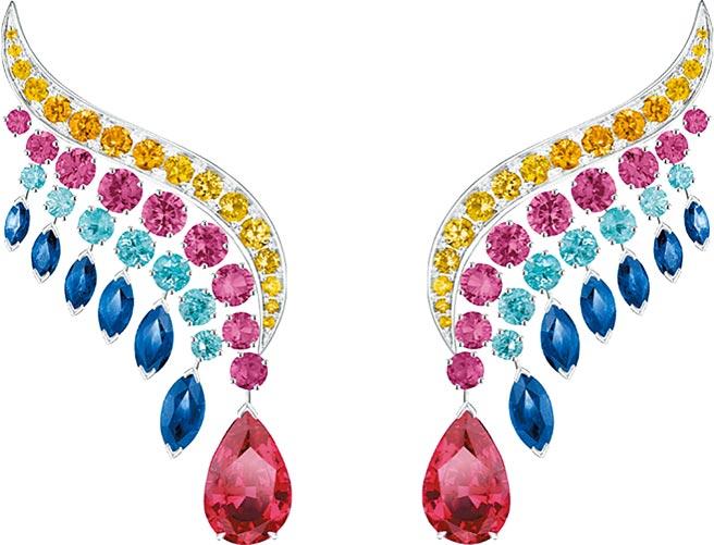 微風廣場PIAGET Wings Of Light高級珠寶系列寶石鑽石耳環,價格店洽。(微風提供)