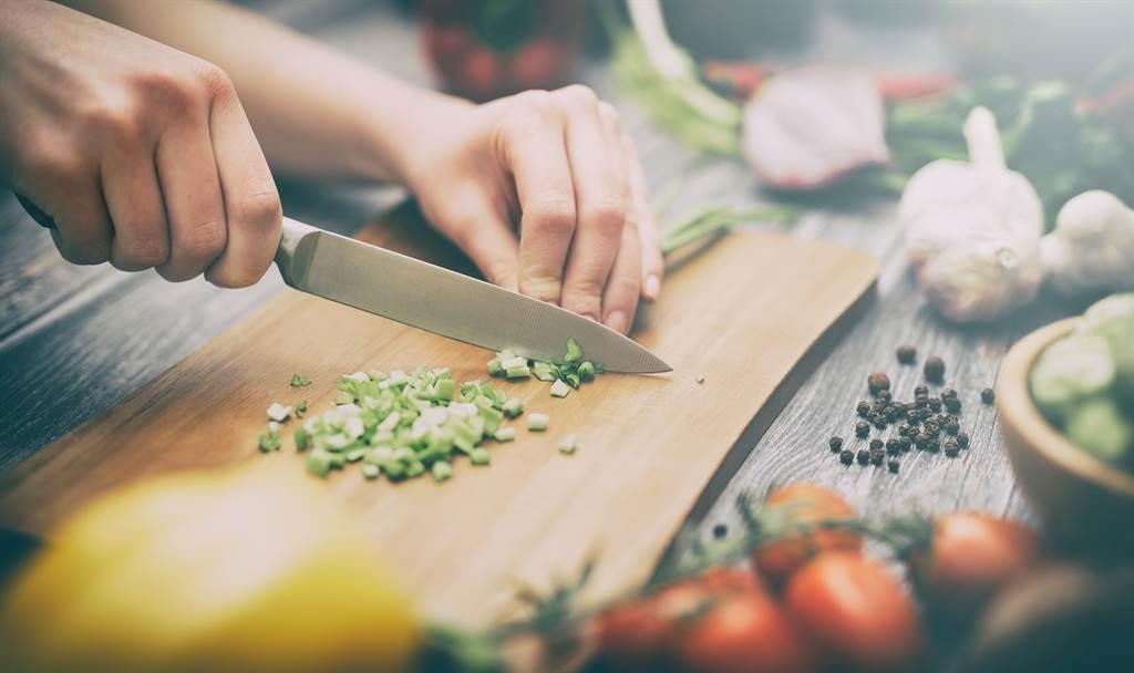 孩子的大小毛病靠營養改善,小兒科醫師打造寶典,提供各類飲食與營養建議。(示意圖/Shutterstock)