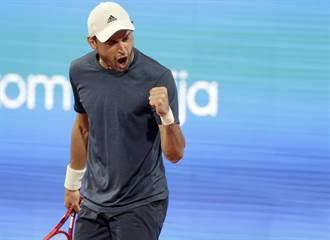 網球》打到暈頭轉向 喬帥自家比賽意外出局